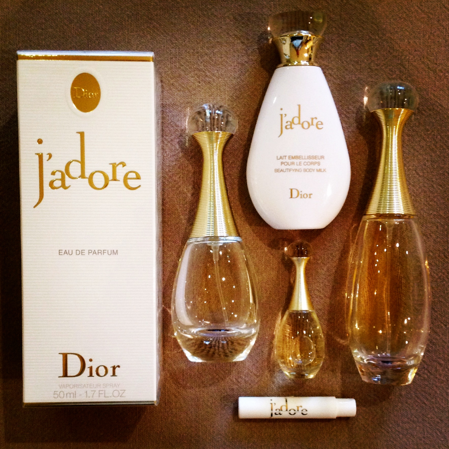 perfume notes dior j adore the surrey edit. Black Bedroom Furniture Sets. Home Design Ideas